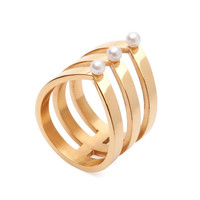 Amber Sceats | Layered Pearl Ring