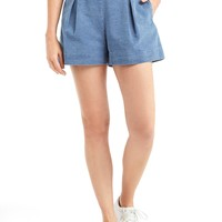 Pleated indigo shorts | Gap