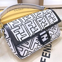 FENDI graffiti letters ladies diagonal bag shopping shoulder bag