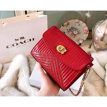COACH 2018 autumn and winter new rivet camera bag chain bag Messenger bag Red