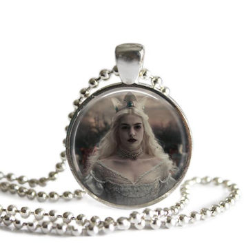 Alice In Wonderland White Queen Necklace