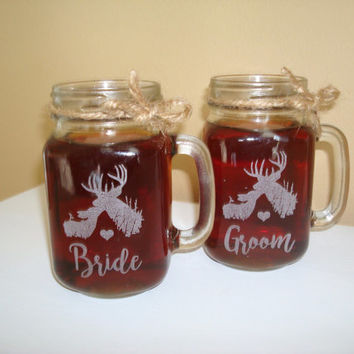 Bride Groom Mason Jar Glasses, Rustic Deer, Deer Couple Mason Jar, Rustic Wedding Glasses, Engraved Glasses, Bride Groom Decor, Wedding Gift