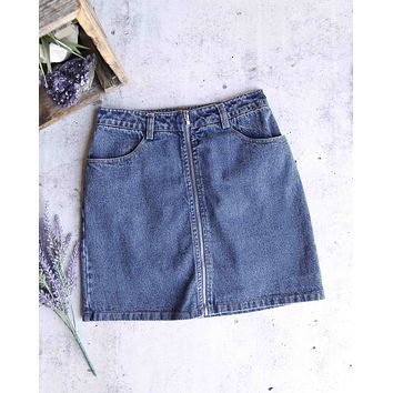 Honey Punch - Run This Town Denim Zip Skirt in Medium Denim Wash