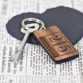 Cute Keychains Custom Special Date Keyring - Rectangle Calendar Design