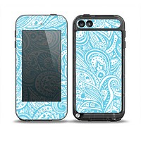 The Light Blue Paisley Floral Pattern V3 Skin for the iPod Touch 5th Generation frē LifeProof Case