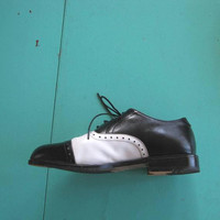 Fly Vintage Men's Black & White Wingtips/Oxfords; Size 8 Leather Lace-Up Shoes for Dress-Up/Tap/Urban Outfits; U.S. Shipping Included