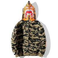 BAPE autumn and winter models tide brand classic tiger head embroidery plus velvet camouflage hooded sweater green