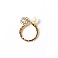 Double Trouble Pearl Ring