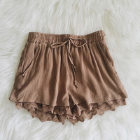 Natalya Lace Hem Woven Shorts (New Taupe)