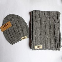UGG 2018 autumn and winter models men and women wild knit hat + scarf two-piece F0908-1 grey
