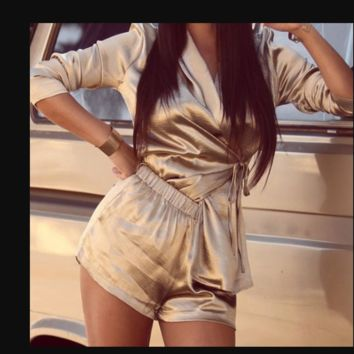 Hot style baggy long-sleeved shirt and two-piece high-waisted shorts