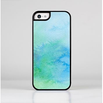 The Subtle Green & Blue Watercolor V2 Skin-Sert Case for the Apple iPhone 5c