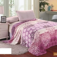 Ultra Plush Lilac Pink Design Queen Size Microplush Blanket