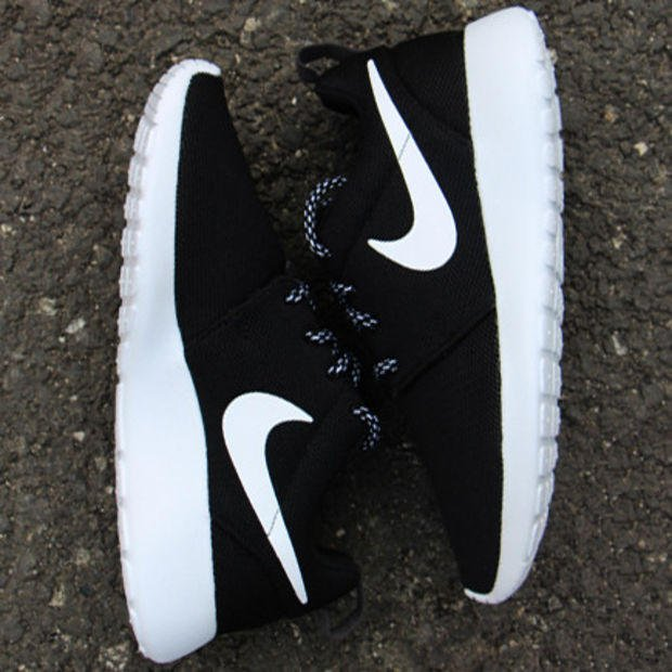 """Image of """"NIKE"""" Roshe One Women Casual Sport Shoes Sneakers Black white"""