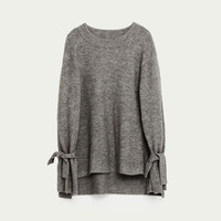 SWEATER WITH TIE SLEEVES DETAILS