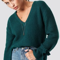 V-Neck Tie Sleeve Sweater Green