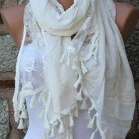 ON SALE - Creamy White Scarf - Lace Scarf -  Cowl Scarf  - fatwoman