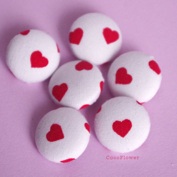 Red Heart button 19mm - set of 6