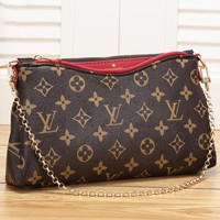 LV Louis Vuitton high-end printing pvc clutch bag chain shoulder Messenger bag