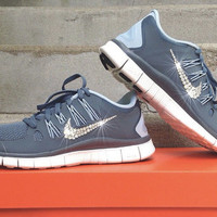 New In Box Women's Nike Free Run 5.0 Running Shoes [580591-660] Customized With Swarovski Elements Crystal Rhinestones Gray, Sky Blue, White