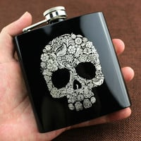 Alcohol Flasks 6oz Fashion Skull Design Stainless Steel Mini Hip Flask Camp Outdoor Portable Whiskey Flask With Wineglass Funnel
