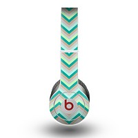 The Vintage Subtle Greens Chevron Pattern Skin for the Beats by Dre Original Solo-Solo HD Headphones