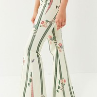 BDG Printed Floral Flare Jean | Urban Outfitters