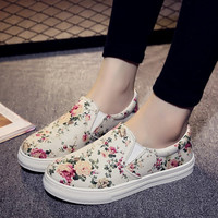 Canvas Lazy Floral Thick Heel Shoes