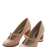 ModCloth Vintage Inspired Once in a Lifetime Enchants Heel