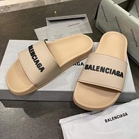 Balenciaga new letter logo simple men's and women's outer slippers Shoes Khaki