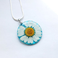 Pressed English Daisy Necklace Resin Pendant Real Flower Blue Transparent Pendant 925 Silver Plated