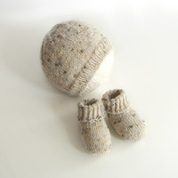 Baby shower gift set, thin wool hat and socks, sandstone heather, choose your size, newborn or 2-6 month old baby, perfect for twins