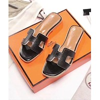 Hermes 2018 latest digital punching inner stepping sheepskin sandals F-ALS-XZ black