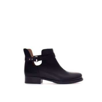LEATHER ANKLE BOOT WITH OPENING