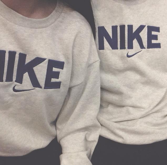 Image of Couple Unisex Casual Pattern Print  Long Sleeve loose blouse top Pullover Sweater