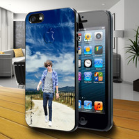 Harry Styles - iPhone 4 / iPhone 4S / iPhone 5 / Samsung S2 / Samsung S3 / Samsung S4 Case Cover