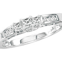 Diamond 3 Stone Bridal Ring in 14k White Gold 0.25 ctw