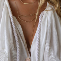Solana Beach Matte Gold Necklace With Pink Arrow