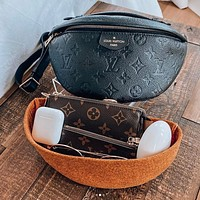 Louis Vuitton LV Fashion Leather Waist Bag Single Shoulder Bag