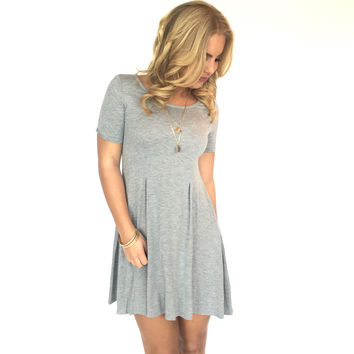 Seams Right Jersey Dress In Grey