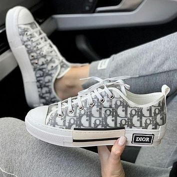 Dior CD B23 letter film high-top sneakers New breathable street style hip-hop sneakers Men and women couples high-low top casual shoes