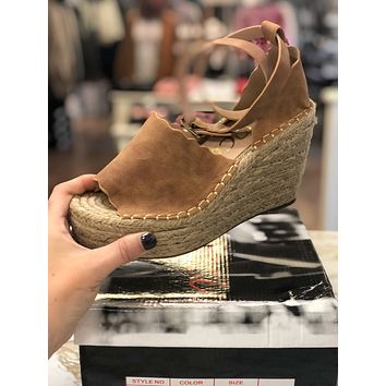 Jade Wedges - Tan