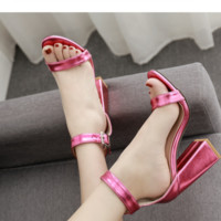 Women's hot style popular thick heel with a word with peep-toe sandals