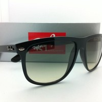New Authentic Ray-Ban Sunglasses RB 4147 601/32 60-15 Black w/Grey Gradient Lens