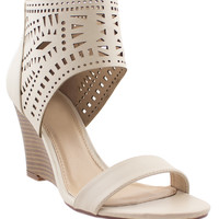 Lacy-like Behavior Perforated Wedge Sandals