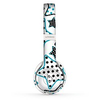 The Blue Polkadotted Vector Stars Skin Set for the Beats by Dre Solo 2 Wireless Headphones