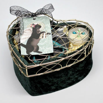 Valentines Day Bath & Body Gift Basket, Woman's Gift Set, One of a Kind