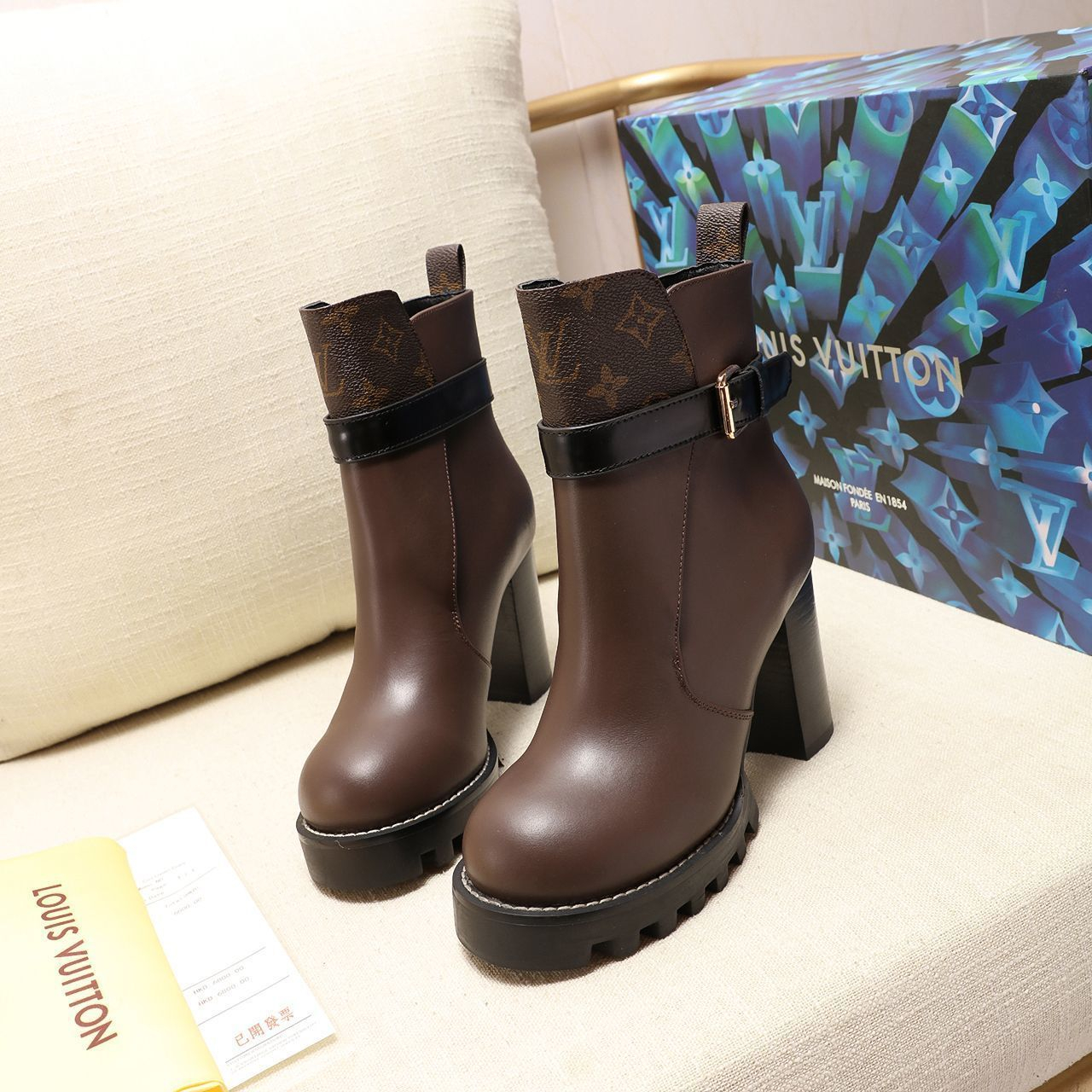 Image of lv louis vuitton trending womens men leather side zip lace up ankle boots shoes high boots 189