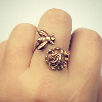 Bee and rose ring