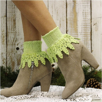 SIGNATURE lace socks - apple green